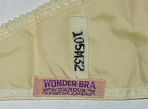 English: Label from a 1950s Wonder-Bra. This b...