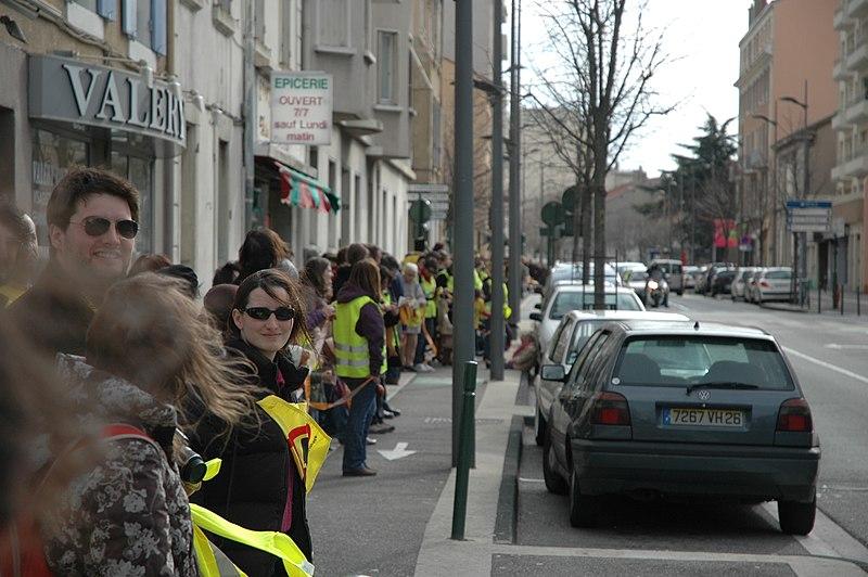 Cadena umana de Lion a Avinhon contra l'energia nucleara l'11 de març a Valença
