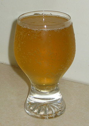 A glass of Reed's Premium Ginger Ale