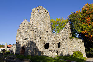 English: The ruins of St. Olofs Church in Sigt...