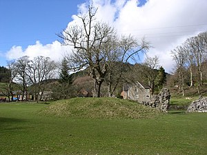 English: Abbey Cwm Hir A mound south-west of t...