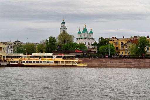 Astrakhan Volga River P5101192 2200