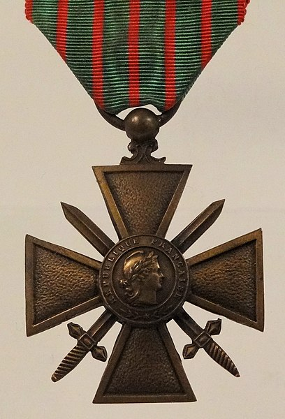 File:Croix-De-Guerre-Francis-Browne.jpg
