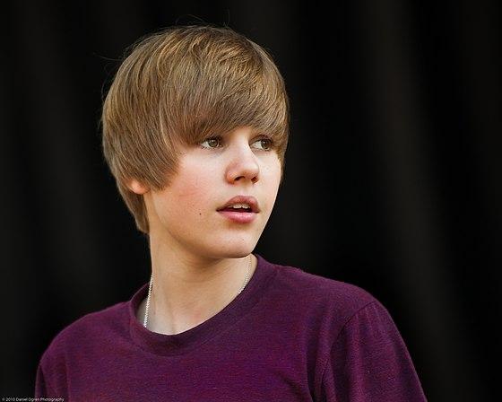 Como Se Llama El Guitarrista De Justin Bieber