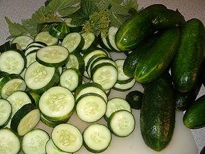 Cucumbers Español: Pepinos Português: Pepinos