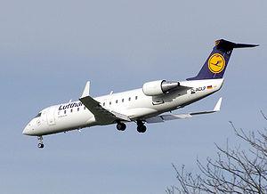 A Lufthansa CRJ100 landing