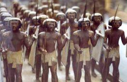 Soldats nubiens enrôlés dans l'infanterie égyptienne - XIe dynastie - Musée du Caire
