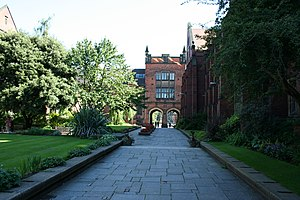 English: Quadrangle, Newcastle University Cate...