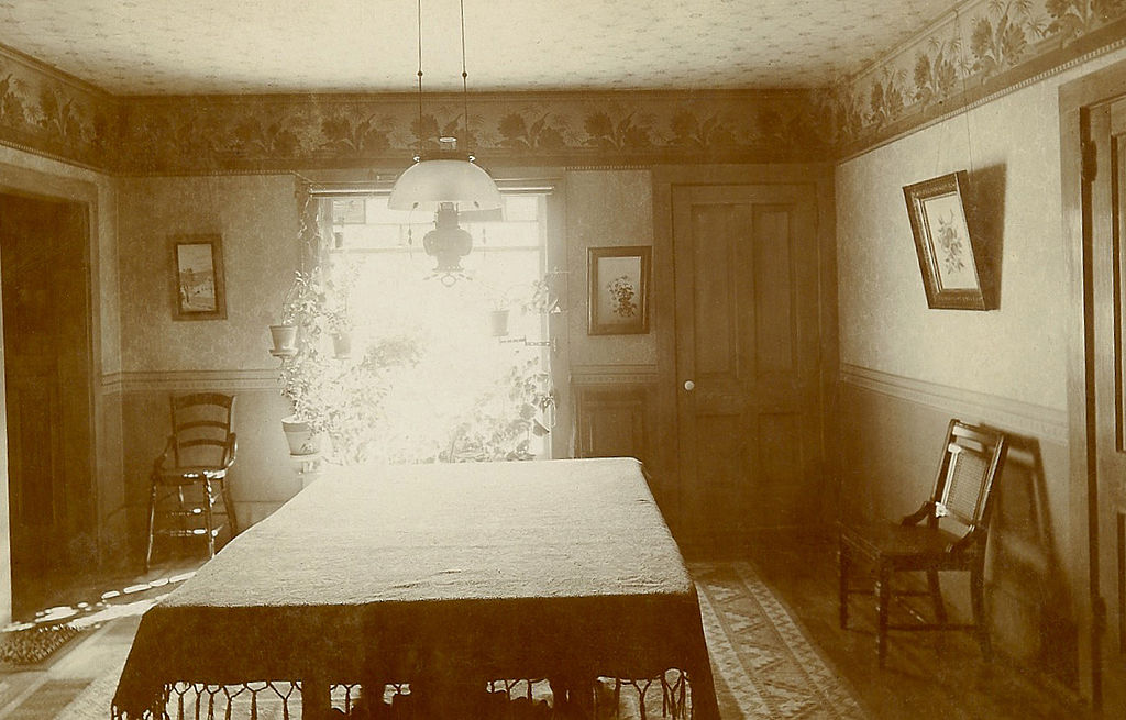 FileVictorian Style Dining Room USA Early 1900sjpg