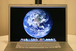 "English: A Late 2006 model 17"" MacBook Pr..."