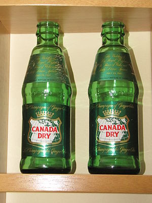 English: Some old Canada Dry brand ginger ale ...