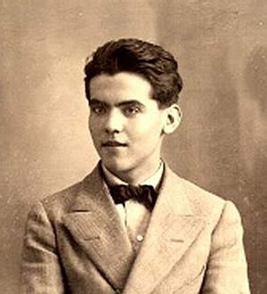 {{es|1=Federico García Lorca en 1914. Foto anó...