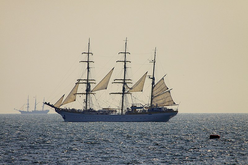 File:Romanian sailing ship Mircea 1.jpg