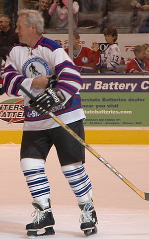 English: Darryl Sittler played with the All-St...