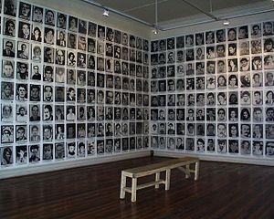 Español: Fotografías de personas desaparecidas...