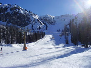 English: The Franchetti skiing-piste on Mount ...