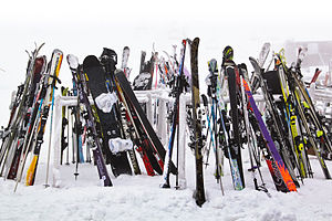 English: Snowboard and Ski stand at the Turoa ...