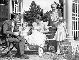 English: Prince Bernhard, Princess Irene, Prin...