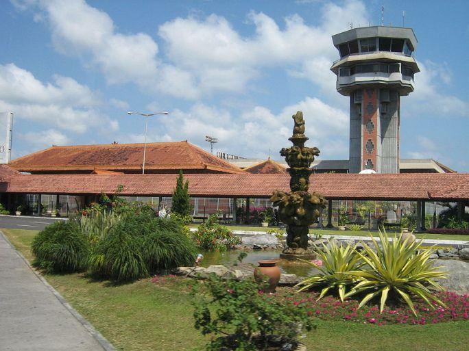 Flughafentower, Denpasar Airport, Bali