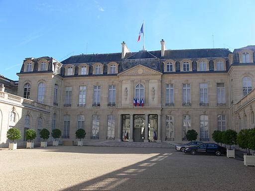 Paris - palais de l'Élysée - cour 05