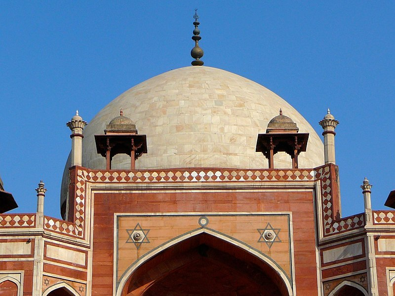 File:The white marble dome and chhatris on the roof of Humayun's tomb.jpg