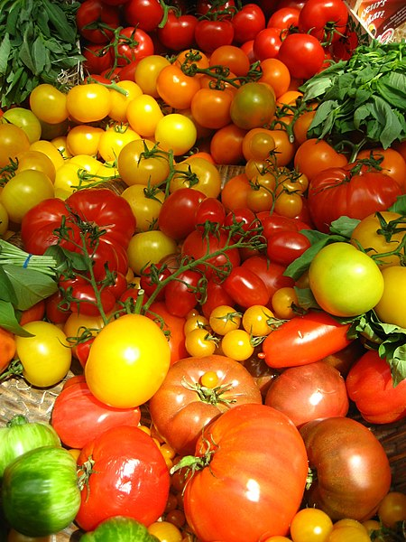 File:Tomatoes (4701319098).jpg