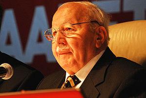 Magyar: Necmettin Erbakan 2006-ban Türkçe: Tür...