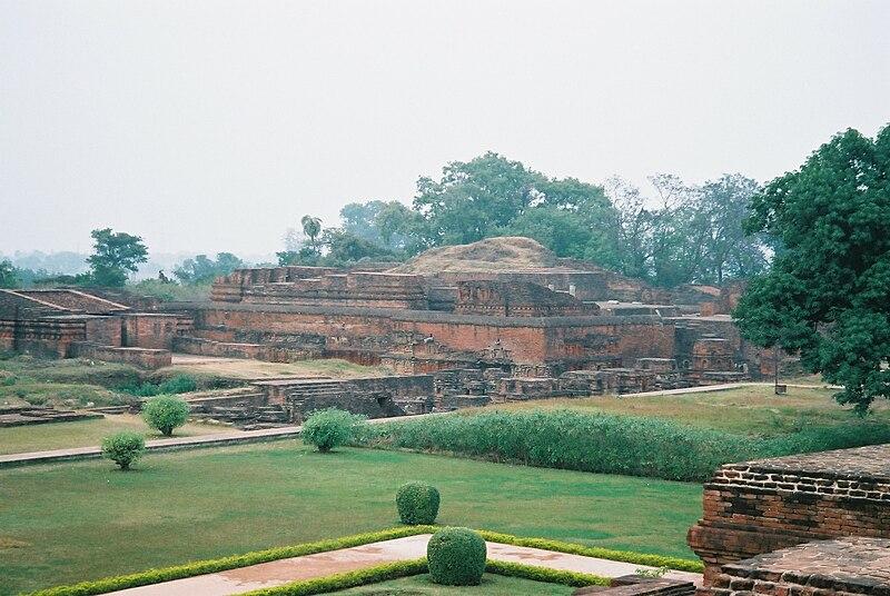 File:Temple and Votive Stupas, Nalanda.jpg