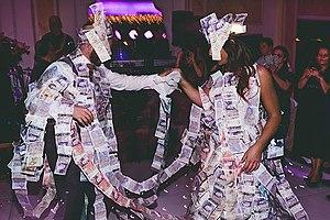 English: Greek Wedding Photography Money Dance