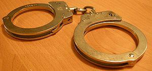 chain handcuffs Suomi: Ketjukäsiraudat