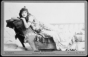 English: French stage actress Sarah Bernhardt ...