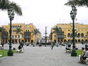 PLaza de Armas - marketplace shot from the cat...