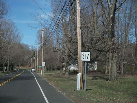 English: State Route 317 heading eastward thro...