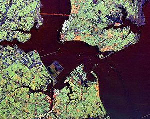 English: Hampton Roads, Virginia from space