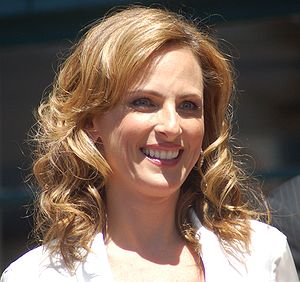 Marlee Matlin receiving a star at the Hollywoo...