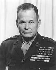 https://i2.wp.com/upload.wikimedia.org/wikipedia/commons/thumb/1/11/Chesty_Puller.jpg/192px-Chesty_Puller.jpg