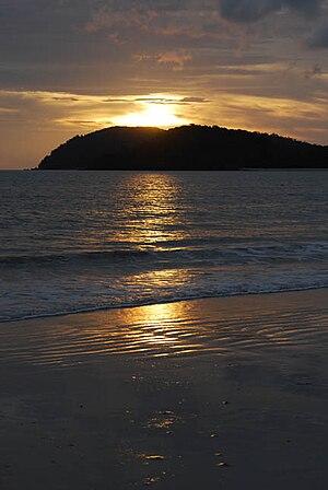 English: Amazing sunset at Cenang Island, Lang...