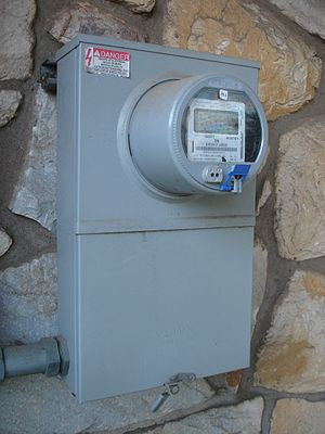 New CRS Report on Smart Meter Data: Privacy and Cybersecurity