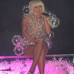 English: Lady Gaga performing on the Fame Ball...