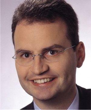 Deutsch: Porträtfoto von Günter Krings, MdB (C...