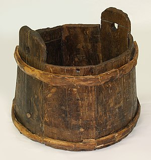 Wooden bucket found on board the 16th century ...