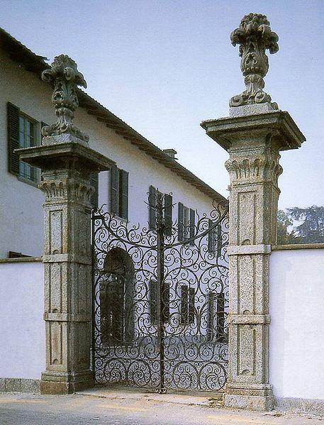 File:Villa dadda mariani casatenovo.jpg