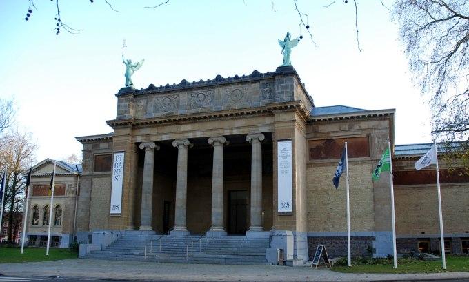 Public Museums