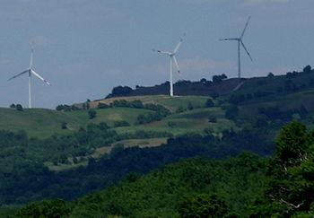 Veduta parziale del Parco eolico dei Poggi Alt...