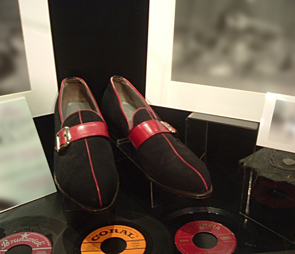 File Buddy S Shoes Buddy Holly Center Lubbock Tx Jpg