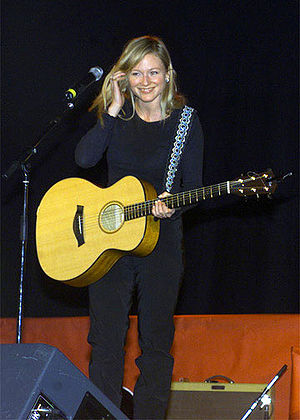 Famous recording artist, Jewel, performs durin...