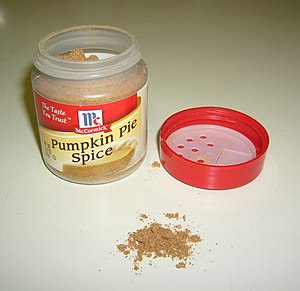 A container of pumpkin pie spice. Español: Un ...