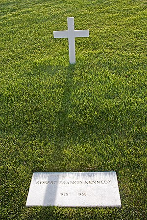 English: Grave markers for Robert F. Kennedy i...