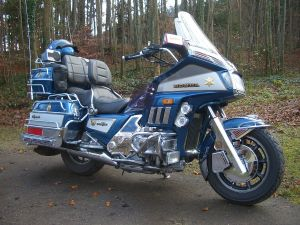 Honda GL 1200 Gold Wing – Wikipedie