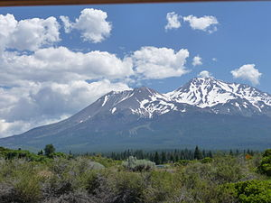 English: Mount Shasta from Mount Shasta City, ...